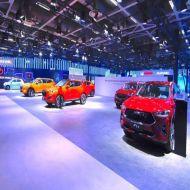 شیشه نمایشگاه اتومبیل