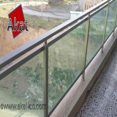 نرده شیشه ای بالکن با هندریل استیل