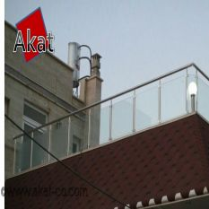 نرده شیشه ای بالکن با پایه استیل و بست شیشه گیر